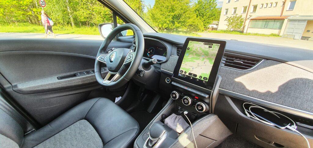 Jak to vidí ENTRY? Renault ZOE je elektrický prcek, který dojede z Prahy do Brna bez dobití.